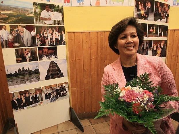 Kambodžská princezna Norodom Arunrasmy zahájila 3. února výstavu Kambodžský král Norodom Sihamoni na návštěvě Prahy.