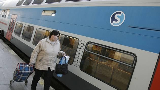 Vlaky příměstské dopravy. Ilustrační foto.