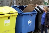 Popelnice na tříděný odpad.
