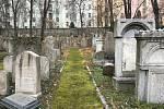 Židovský hřbitov na Žižkově najdete mezi paneláky a parkem
