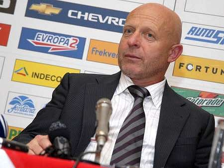 Kouč Slavie Karel Jarolím se na soupeře těší. Věří, že mu jeho tým vrátí minulou porážku na Strahově.