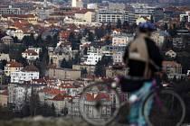 KUDY K ŘECE? Cyklisté (a nejen oni) budou moci podle představ radnice Prahy 4 využít lanovku, která má spojit Podolí a Pankrác.