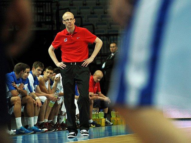 GENERÁLNÍ MANAŽER USK PRAHA Petr Jachan ve své druhé roli trenéra basketbalových mládežnických výběrů.