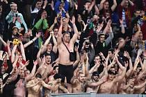 Fanoušci pražské Sparty na stadionu Lazia Řím.