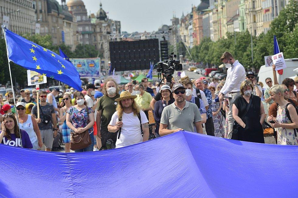 Milion chvilek pro demokracii uspořádal na pražském Václavském náměstí 20. května 2021 předvolební demonstraci proti vládě Andreje Babiše (ANO).