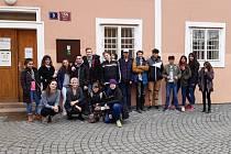"""Osvětová akce o bezpečném sexu """"Růžový únor"""" pokračovala v Praze"""
