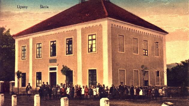 Škola Lipence, historické foto