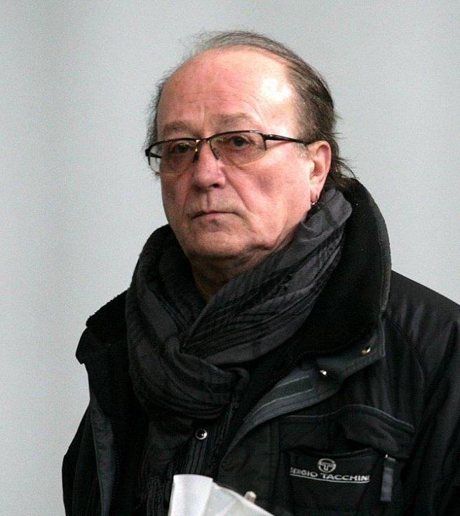 Poslední rozloučení s Lukášem Přibylem ve Strašnickém krematoriu v pátek 17. února. Na snímku Petr Janda.