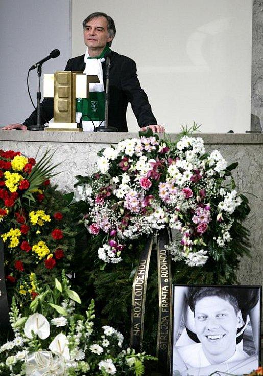 Poslední rozloučení s Lukášem Přibylem ve Strašnickém krematoriu v pátek 17. února. Na snímku Ivan Trojan.