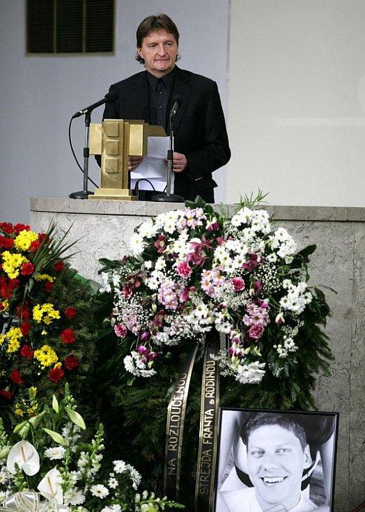 Poslední rozloučení s Lukášem Přibylem ve Strašnickém krematoriu v pátek 17. února. Na snímku Jaroslav Bosák.