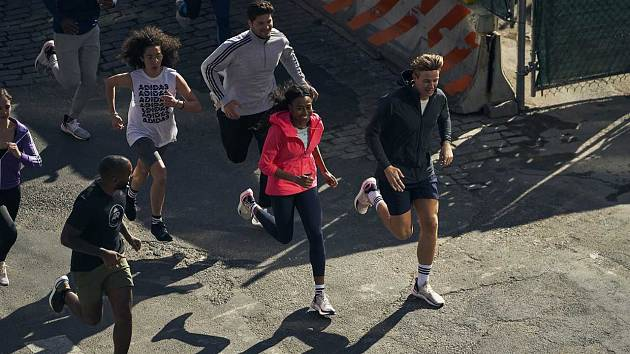 V Praze se koná běžecký festival, který vyvrcholí půlmaratonem.