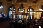 Z kdysi luxusní restaurace na Masaryčce bylo nakonec casino.