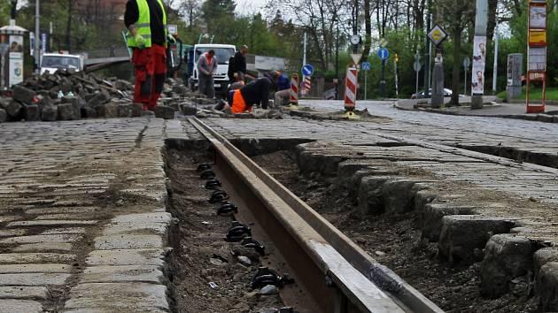 Oprava tramvajových kolejí. Ilustrační foto.