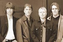 ZASLOUŽILÍ I MLADÍ: V dnešních The Yardbirds se setkávají původní členové s novou hráčskou generací.