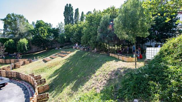 Komunitní zahrada Podbaba.