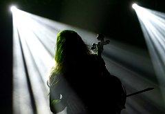 Finští violončelisté Apocalyptica vystoupili 20. dubna 2009 v Pražské Incheba aréně (malé sportovní hale) v Holešovicích.