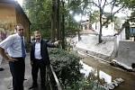 Na snímku (zleva) místostarosta pro dopravu a životní prostředí Karel Koželuh a starosta Prahy 1 Petr Hejma.