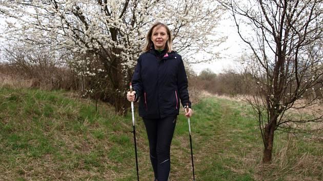 Hana Cihlářová často vyráží i do přírody s holemi. Nejraději má někoho k sobě do party.