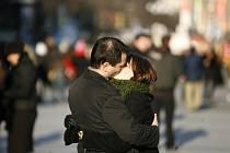Zamilovanost a lásku naštěstí finanční krize nepostihne.