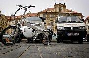 Na pražském magistrátu byl 11. dubna představen projekt Praha elektromobilní.