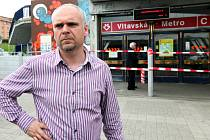 Dnes 9.června v 15 hodin znovuotevřel všechny stanice metra na Vltavské generální ředitel DPP Milan Křístek.