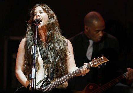 V pražském Kongresovém centru vystoupila 12. srpna 2008 kanadská zpěvačka Alanis Morissette.