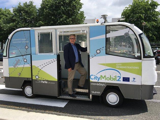 IVO VANĚK testuje elektrobus bez řidiče v San Sebastianu.