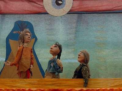 Mezi příznivci loutkového umění nejsou zdaleka jenom děti, ale i dospělí.