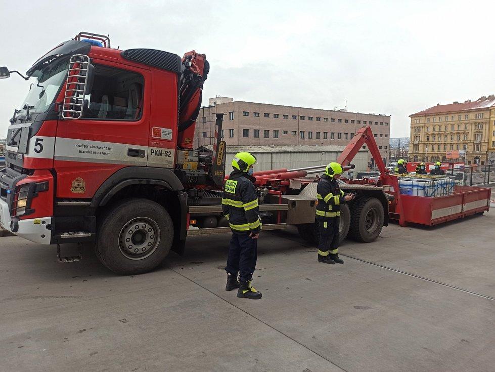 Zásah hasičů na pražském Žižkově.