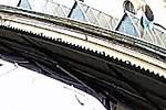 Muž železnou tyčí zkratoval trakční vedení a vyřadil z provozu vlak.