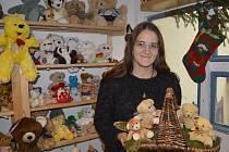 Sběratelka a autorka plyšových medvídků, majitelka karlínského Medvědária Lucie Němcová.
