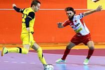 Futsalové derby pražských 'S' přineslo devět gólů, a i když to tak v úvodu nevypadalo, tak nakonec i výhru Slavie.