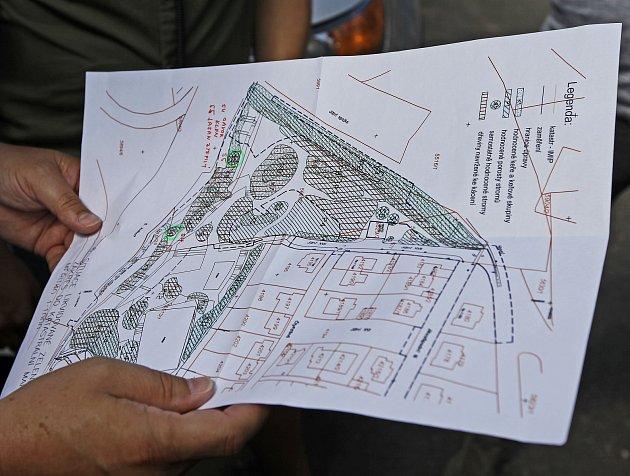 TK k stavbě protihlukové stěny na Spořilově u Spořilovského plácku za účasti starosty Prahy 4 Petra Štěpánka.