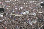 V Praze na Letné se 23. června 2019 odpoledne sešli účastníci demonstrace za nezávislost justice a lepší vládu, kterou uspořádal spolek Milion chvilek.