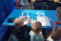 Děti si v kreativních dílnách vyrobily například vlastní plátěnou tašku
