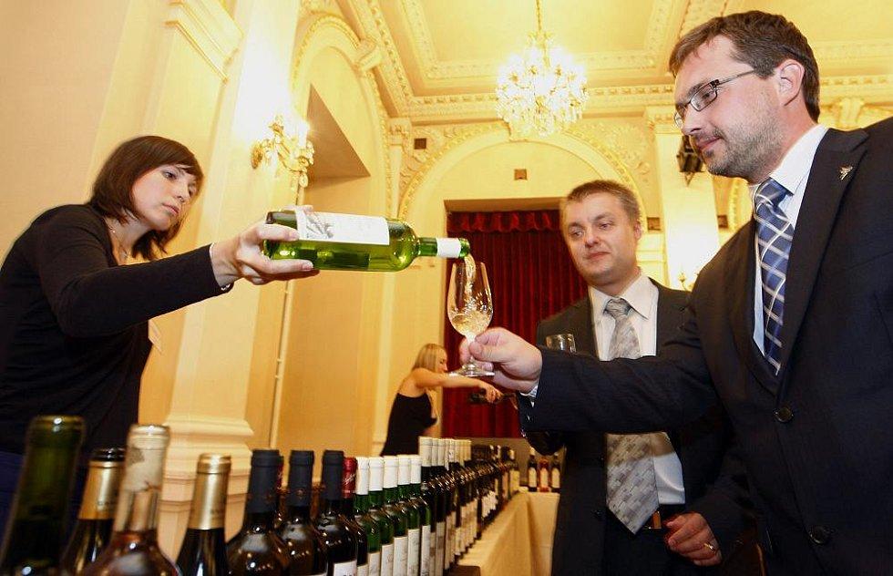 Součástí slavnostního večera byla také galadegustace vín.