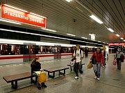 Pražského Povstání, stanice metra na trase C.