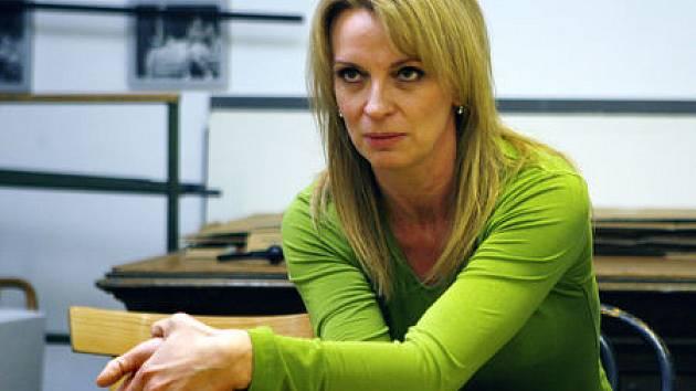 BŮH MASAKRU. Jednou ze čtyř postav rodičů v nové hře francouzké autorky Yasminy Rezy ztvárnila Ivana Chýlková.