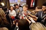 TOP 09 v pražském hotelu Dorint Don Giovanni čeká na výsledky voleb. Na snímku Tomáš Hudeček.