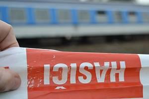 Skok pod vlak. Ilustrační foto.