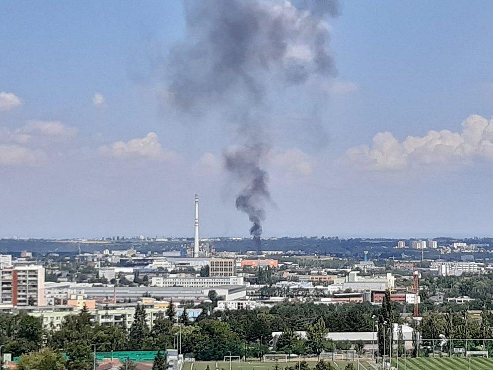 Požár odpadu v Praze.