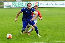 Fotbalisté Motorletu (na ilustračním snímku v modrém ze zápasu proti Slavii B) porazili Admiru 3:2.