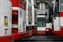 PŘEDPOSLEDNÍ KROK. Stávková pohotovost odborářů dopravního podniku tentokrát nemíří proti vedení. Vyvolal jí tlak magistrátu na další úspory./Ilustrační foto
