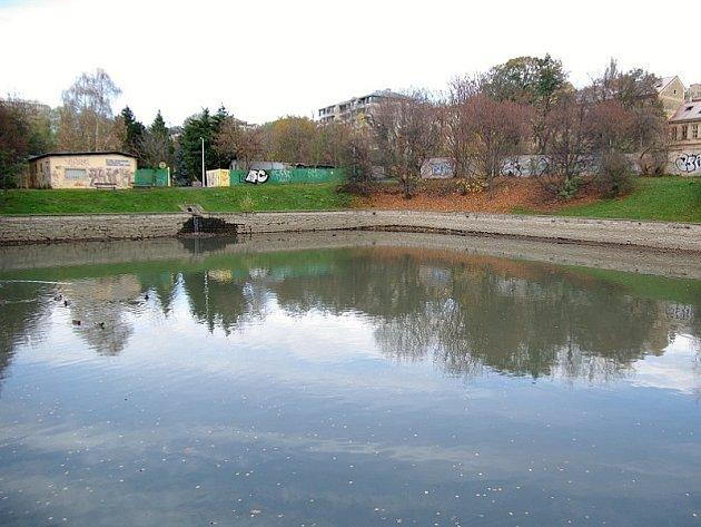 Rybník Vincentinum na Břevnově.