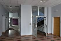 V nové budově radnice Prahy 7 v ulici U Průhonu by mělo pracovat až 200 úředníků na ploše zhruba 2500 metrů čtverečních.