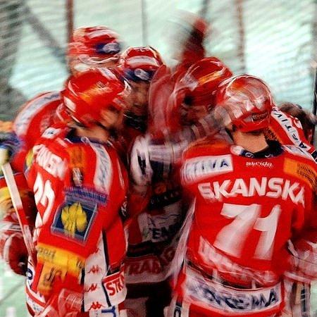 Slavia po velké krizi, která ji postihla v listopadu a prosinci, kráčí opět sebevědomě za prvenstvím a jistotou účasti v Lize mistrů.