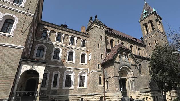 Kostel sv. Gabriela na Smíchově.
