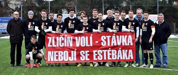 Fotbalisté Zličína protestně nenastoupili vprvním jarním utkání Pražská teplárenská přeboru Prahy proti Sokolu Královice.