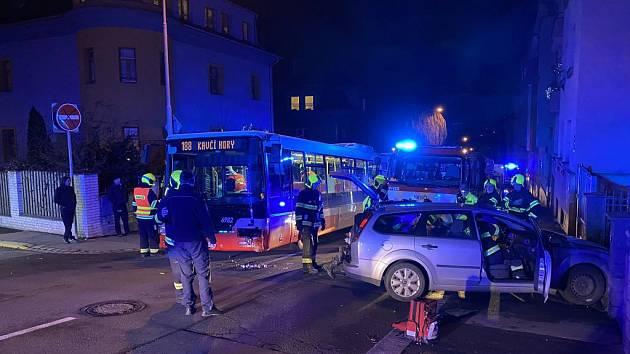 Sobotní nehoda v Nuslích.