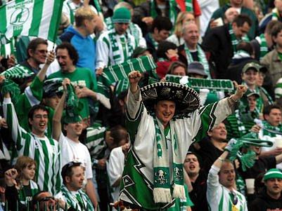 VĚRNÍ FANOUŠCI. Závidět je může vršovickým Bohemians 1905 většina tuzemských klubů.